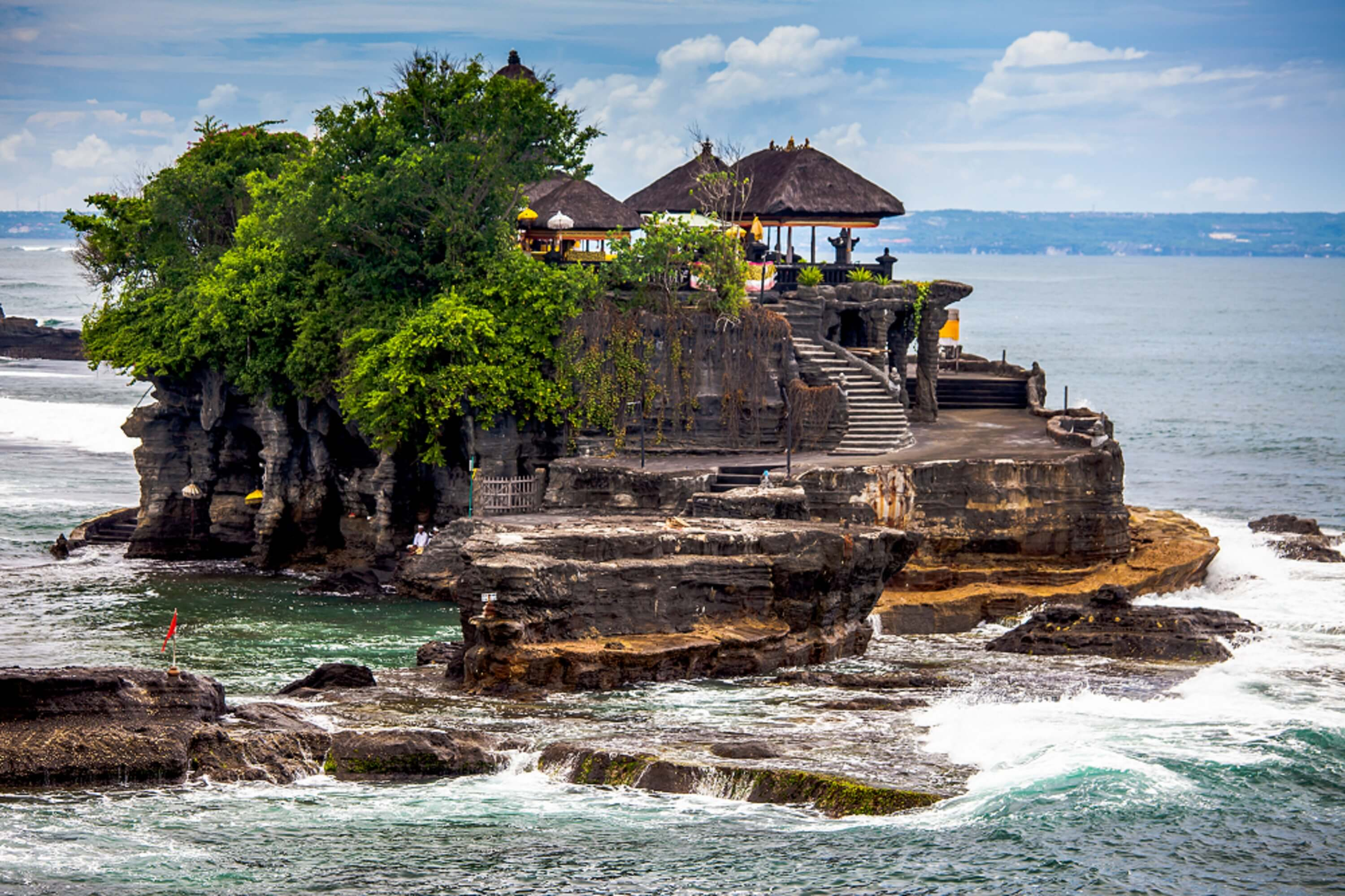 Do not visit the Tanah Lot temple with your loved one!